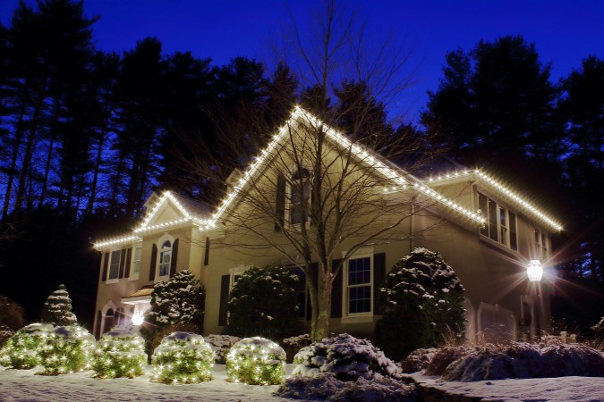 Cape Cod Christmas Lighting